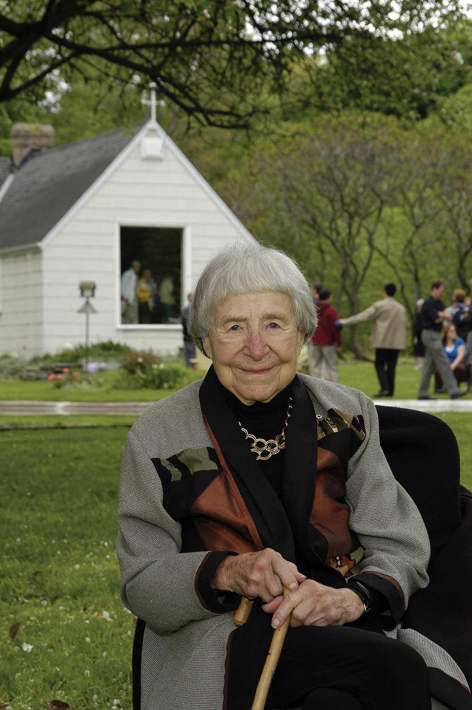 Doris McCarthy at Fool's Paradise, May 2005 (Photo: David Lee)