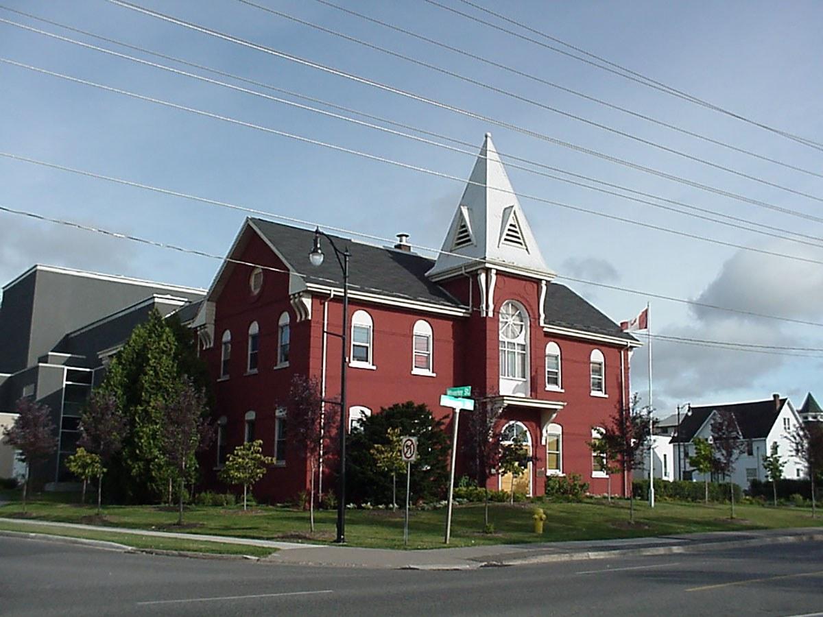 Magnus Theatre 2002 (Photo: Thunder Bay City Archives)